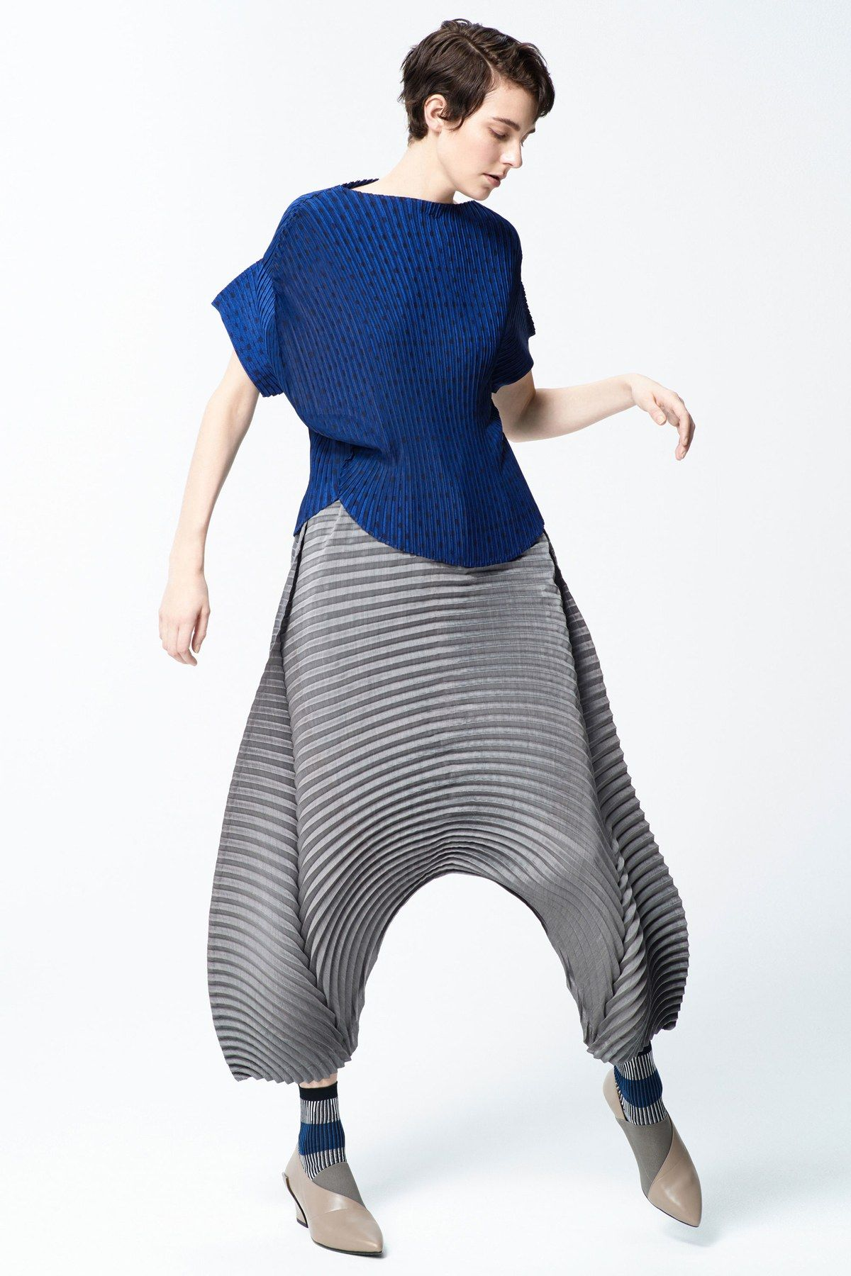 Issey Miyake PreFall 2018 collection, runway looks