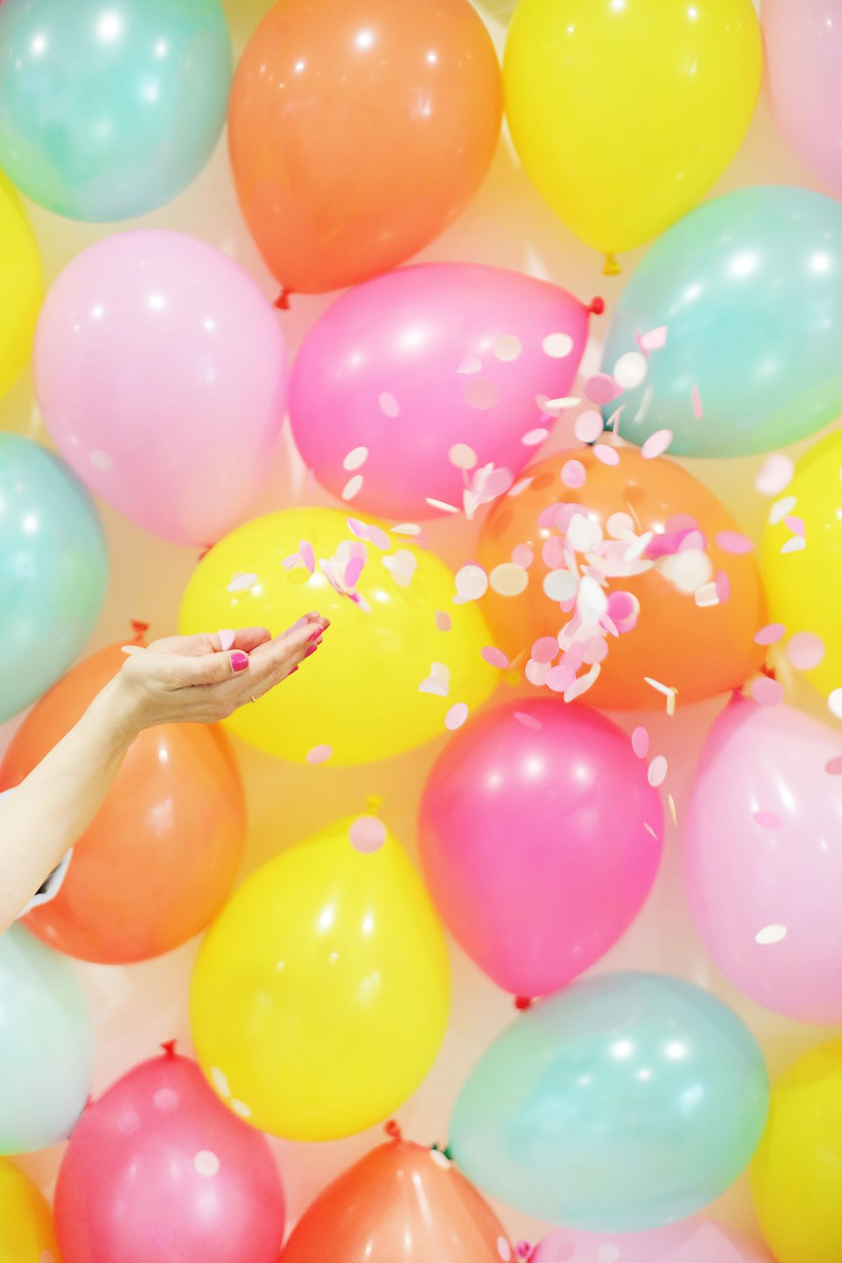 DIY Balloon Photo Backdrop Backdrops Birthdays and Mexican