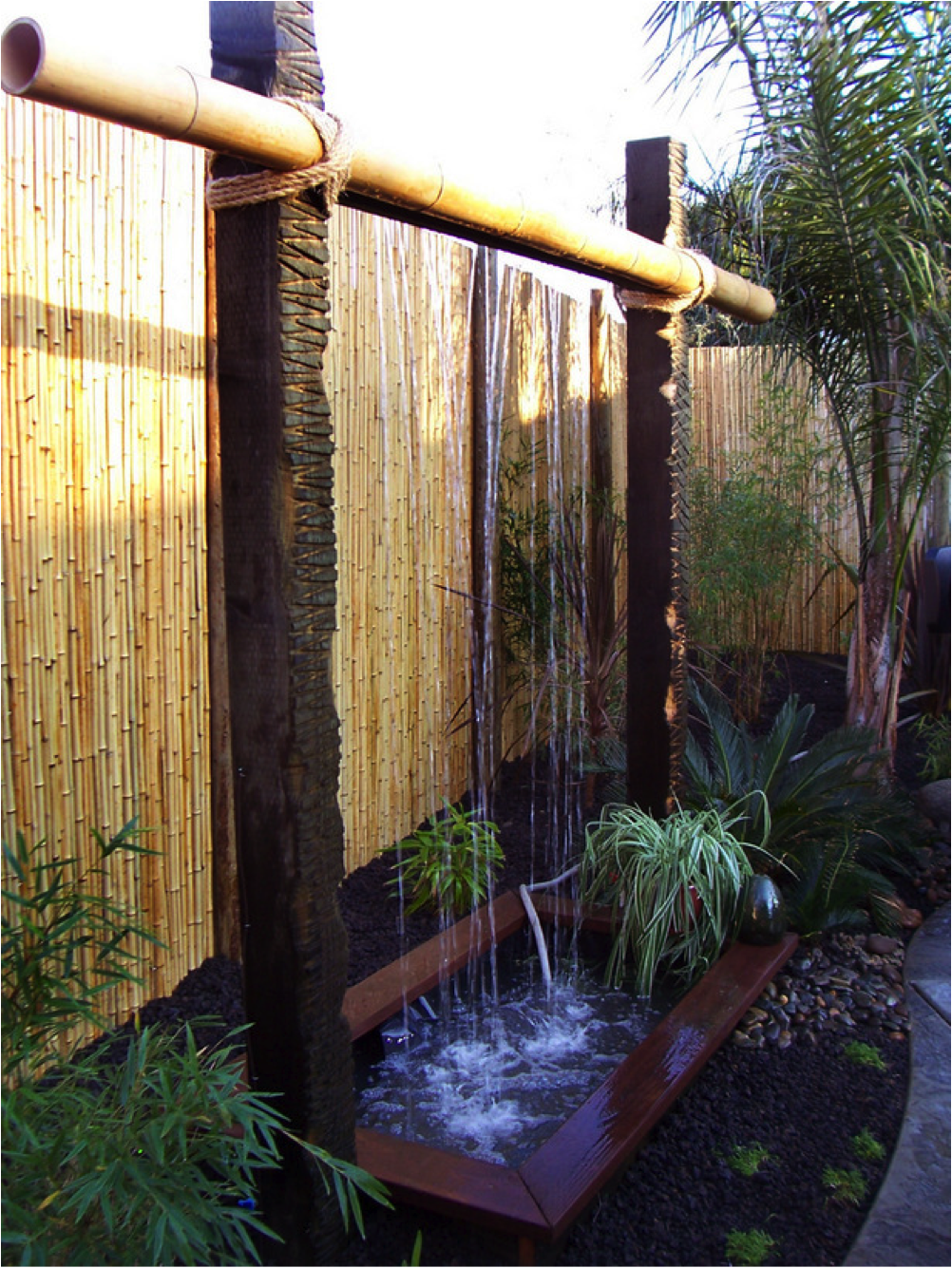 Diy patio water wall the interior frugalista diy patio water wall - Outdoor Water Features Home Improvement Diy Network Would Much Rather Have A Water Feature Like This Than A Pond For The Backyard