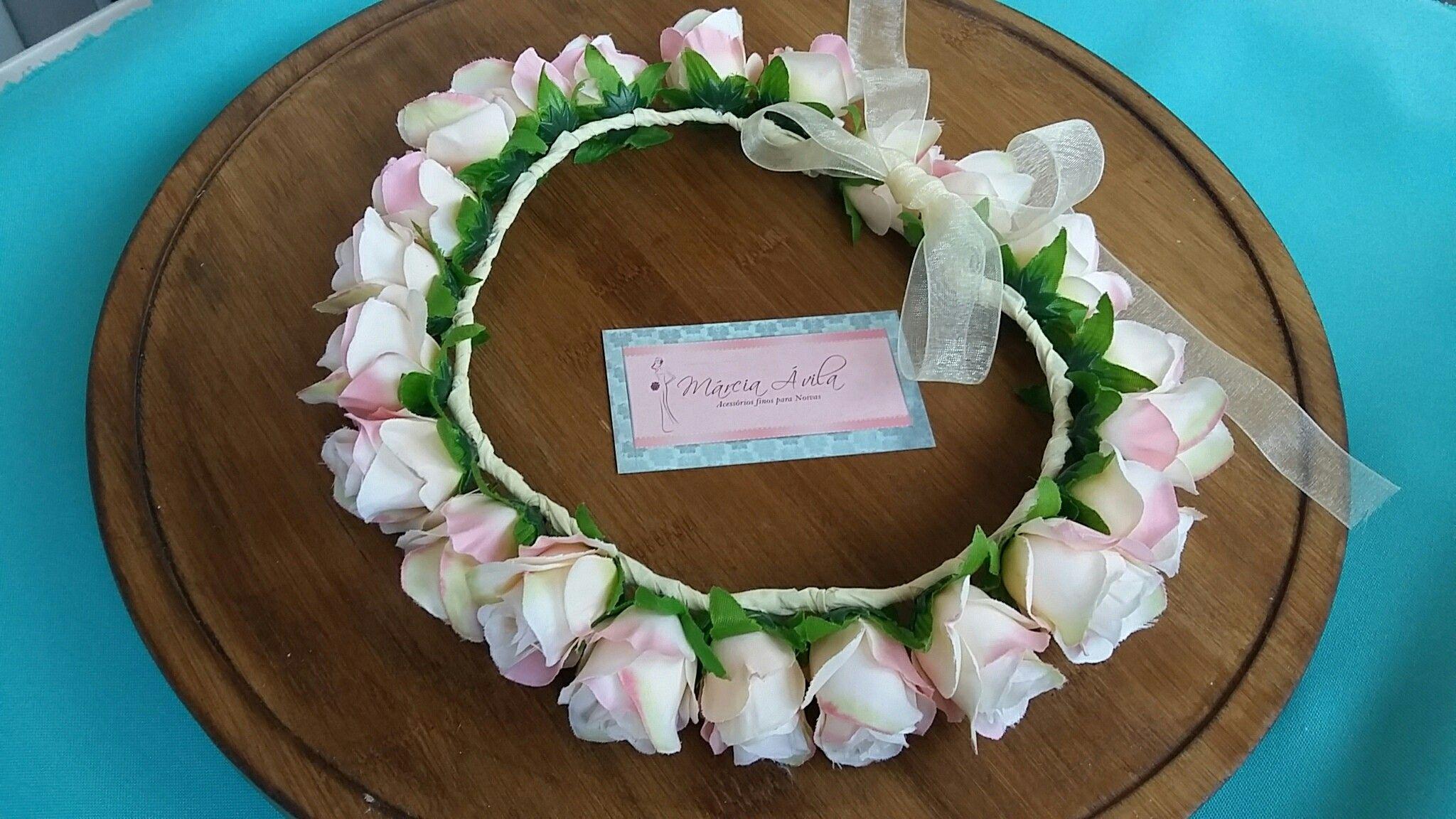 Pin de Marcia Ávila Atelier em Tiara de flores artificiais