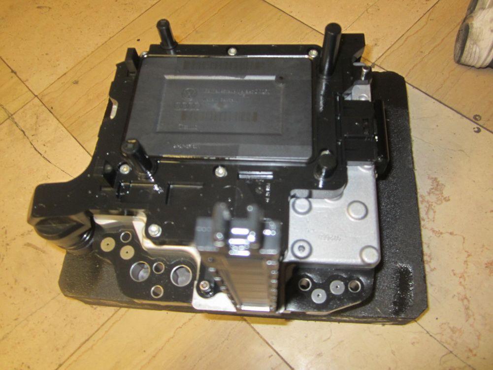 2003-2006 AUDI TT 3 2L DSG TRANSMISSION VALVE BLOCK