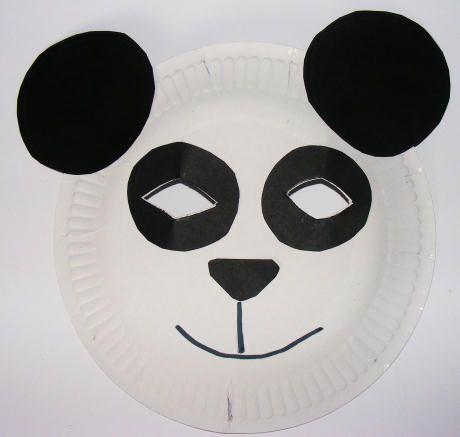 Panda mask made with a paper plate  sc 1 st  Pinterest & Un masque avec une assiette en carton un haut blanc avec un boléro ...