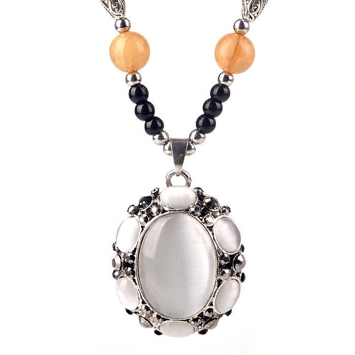 Built-in Opal Pendant Opera Necklace