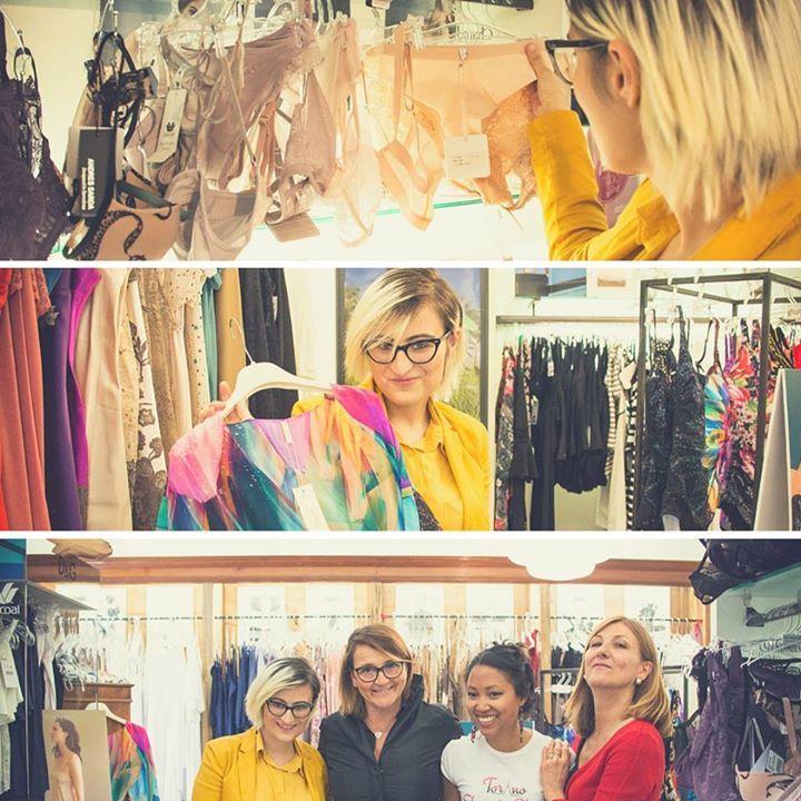 Della serie il Borgo più #glam di Torino...Grazie allo #shoppingborgopo organizzato da Associazione Borgo Po abbiamo scoperto un sacco di negozi #fashion....Per chi si fosse perso la festa ecco il nostro shopping tour virtuale per le vie del Borgo #followus! #1 - Uno e Una il negozio di abbigliamento intimo in Via Monferrato con la blogger My way to be myself  di My way to be myself. #torino #shoppingborgopo http://ift.tt/1s794p8