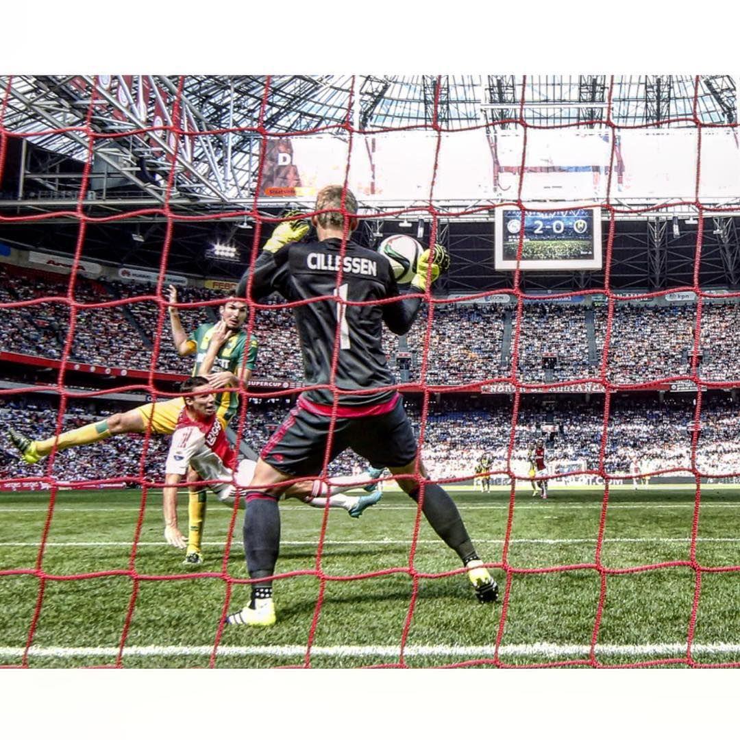 Osk Calcio On Instagram Ado Ajax Cillessen Eredivisie Adoaja Soccer Field Soccer Basketball Court
