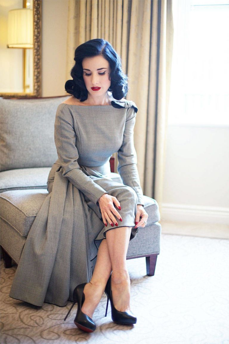 Beauty Tell All A Visit With Dita Von Teese Dita Von Teese Dita Von Teese Vintage Kleider Und Mode