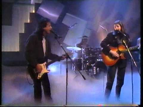 Nanci Griffith You Made This Love A Teardrop Wogan Bbc 1 1989 Youtube Rock And Roll Griffith Little Rock