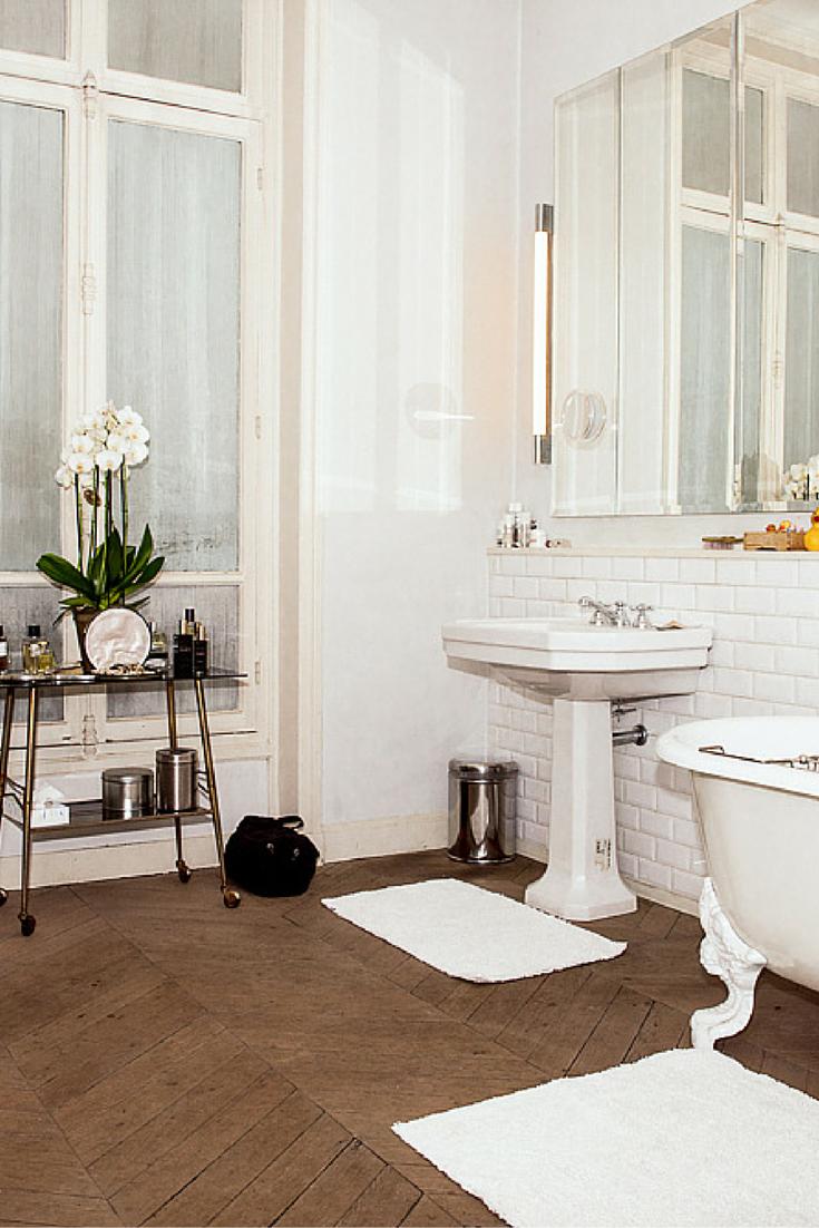 Odile Gilbert\'s Amazing Parisian Bathroom And Beauty Routine ...