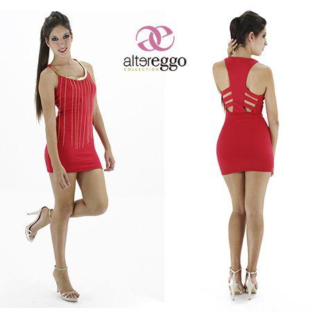 dfec8c5772 Vestido  corto  rojo  escote en espalda  cadenas