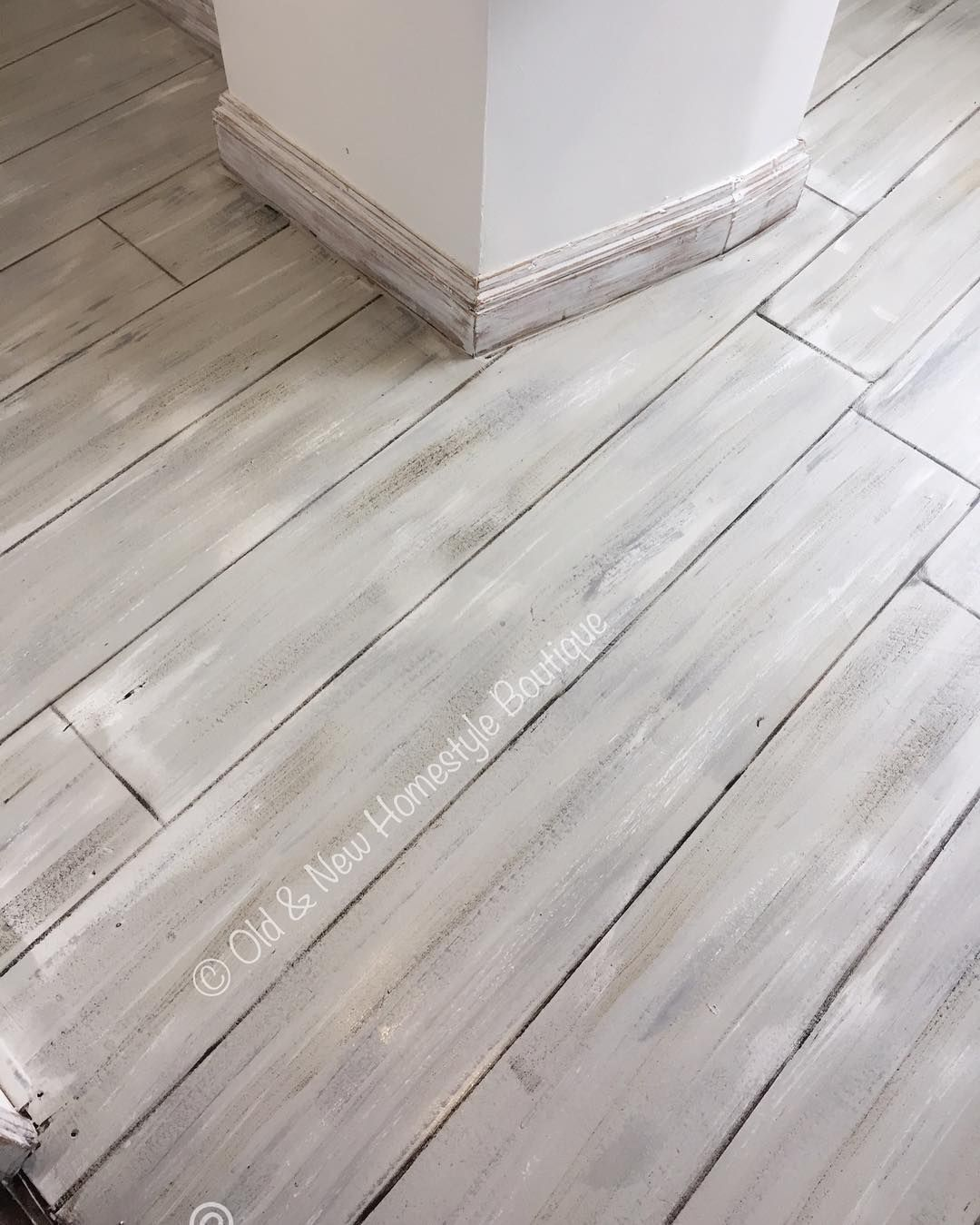 30 Fabulous Laminate Floors Adding New Patterns And Colors To Modern Floor Decoration Flooring Wood Laminate Flooring Wood Floor Colors