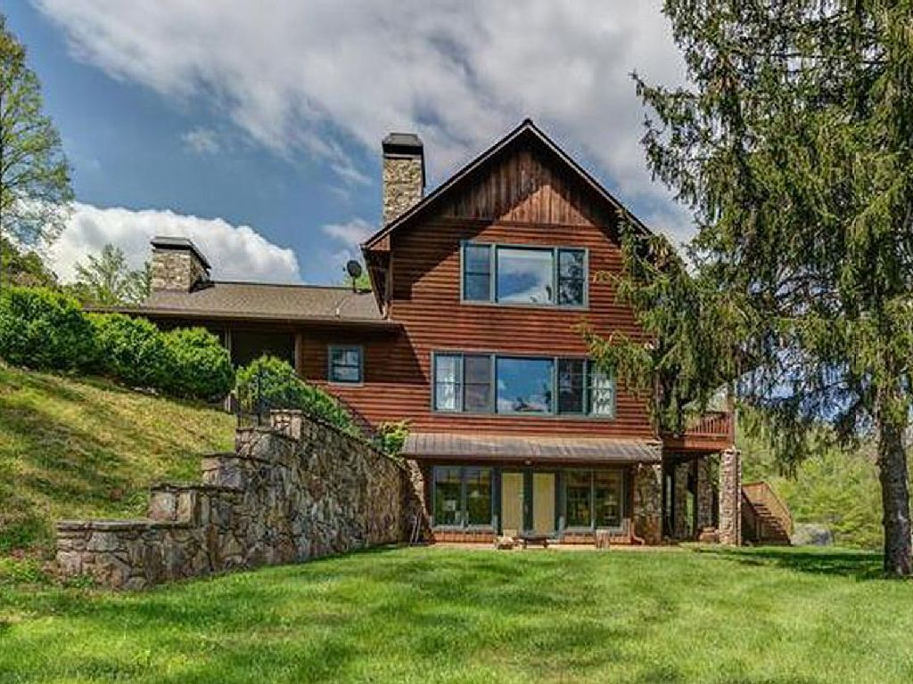 Cabin Vacation Rental In Whittier Nc Usa From Vrbo Com Vacation Rental Travel Vrbo Cabin Vacation Nc Vacation Rental Apartments