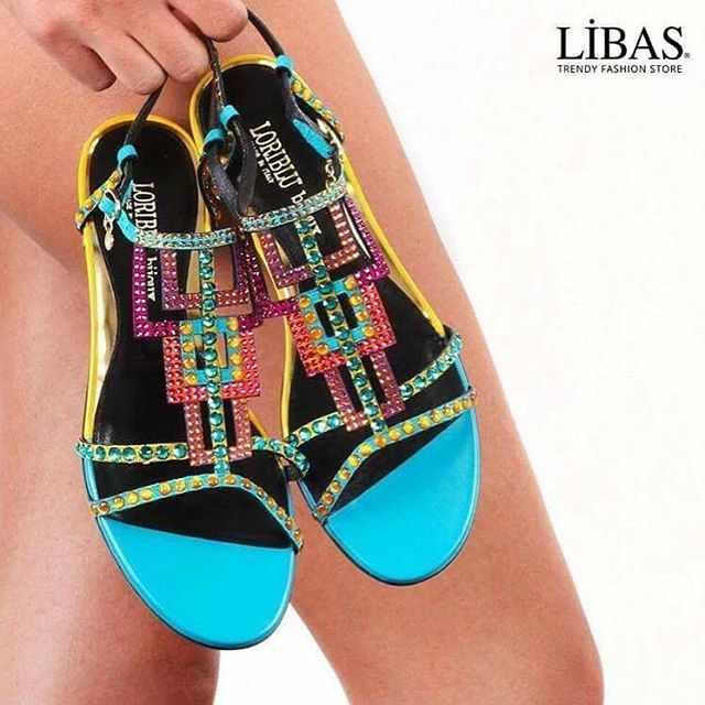 Delicate like a women's hand ... #loribluss16 Shop the look libas.com.tr #loriblu #shoes #kadınayakkabı #womenshoes #womensfashion #ayakkabı #luxury #luxurybrand #luxuryshoes #stylish #moda #onlineshop #sale