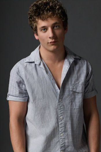 Shameless Star Jeremy Allen White On Lip He Doesn T Want To Become A Yuppie Jeremy Allen White Allen White Lip Gallagher