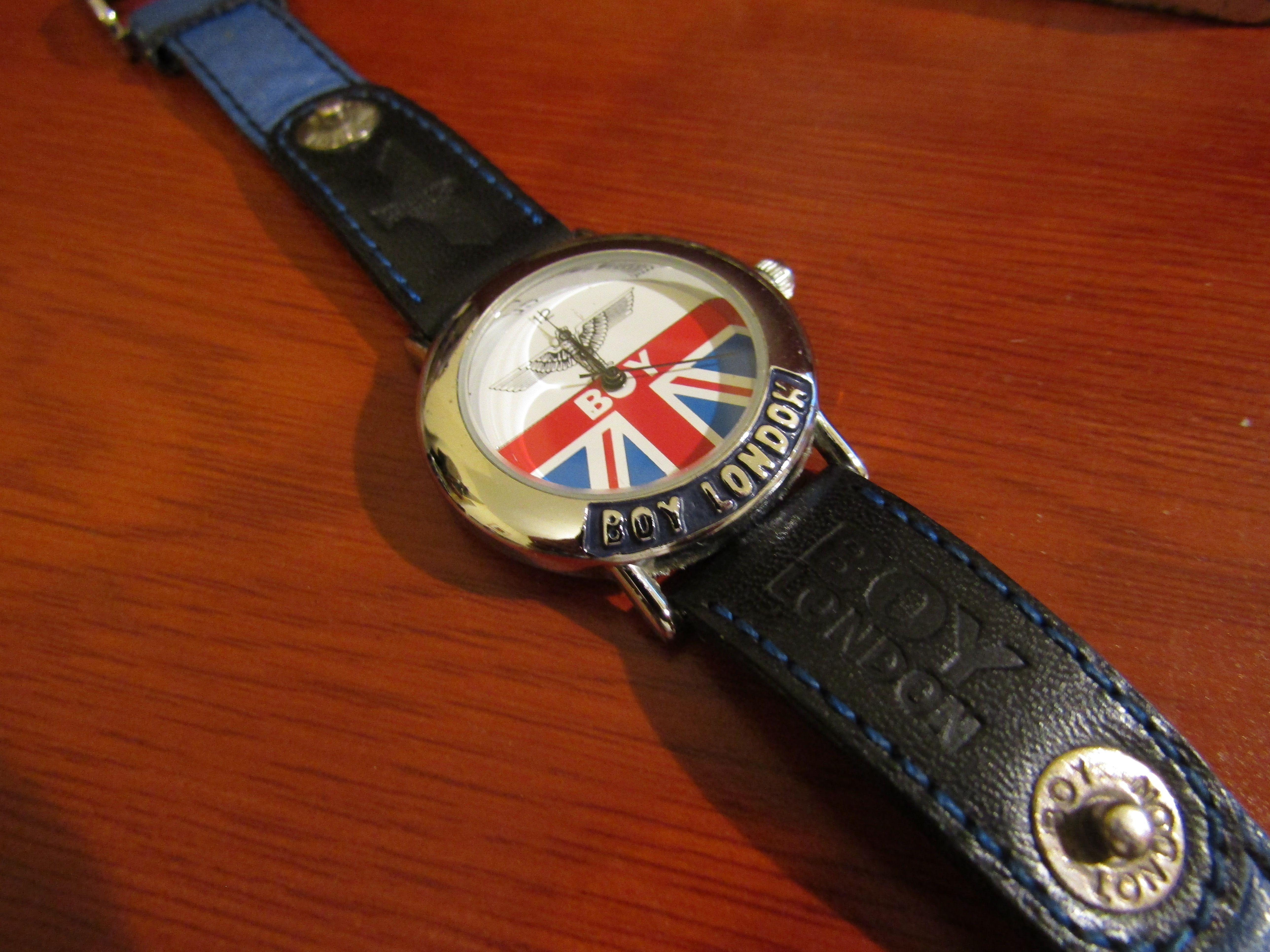 087bb70fe351 BOY London watch with original strap I have another like this but it hasn t  the original strap but it changes colour   it s a