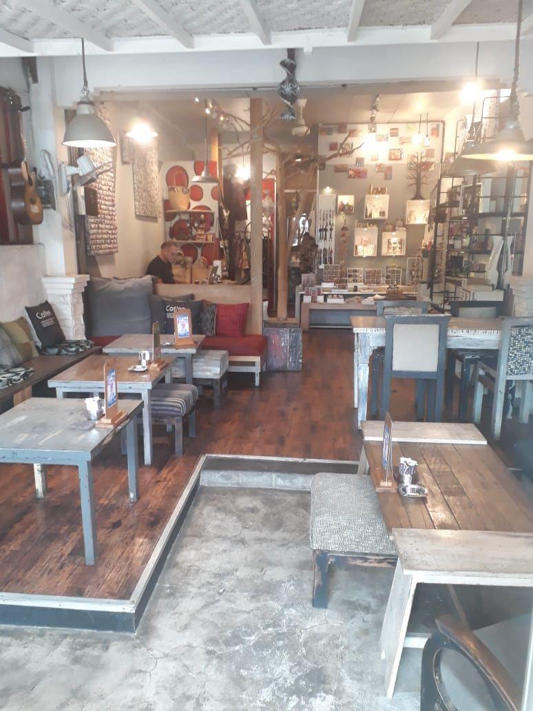 Gecko Coffee Shop located on Jalan Danau Poso (just 100