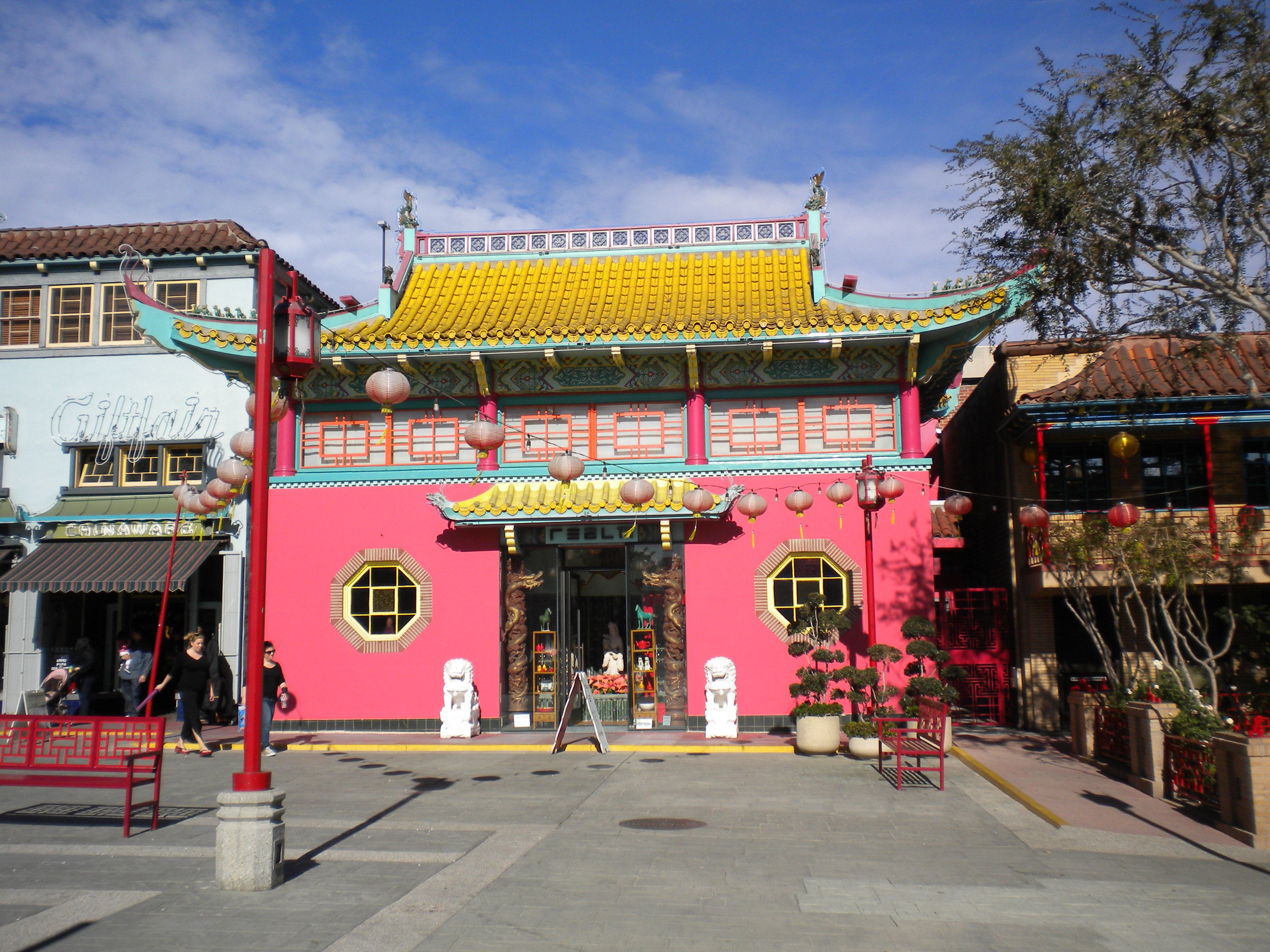 I love chinatown because it brings a nostalgic feeling