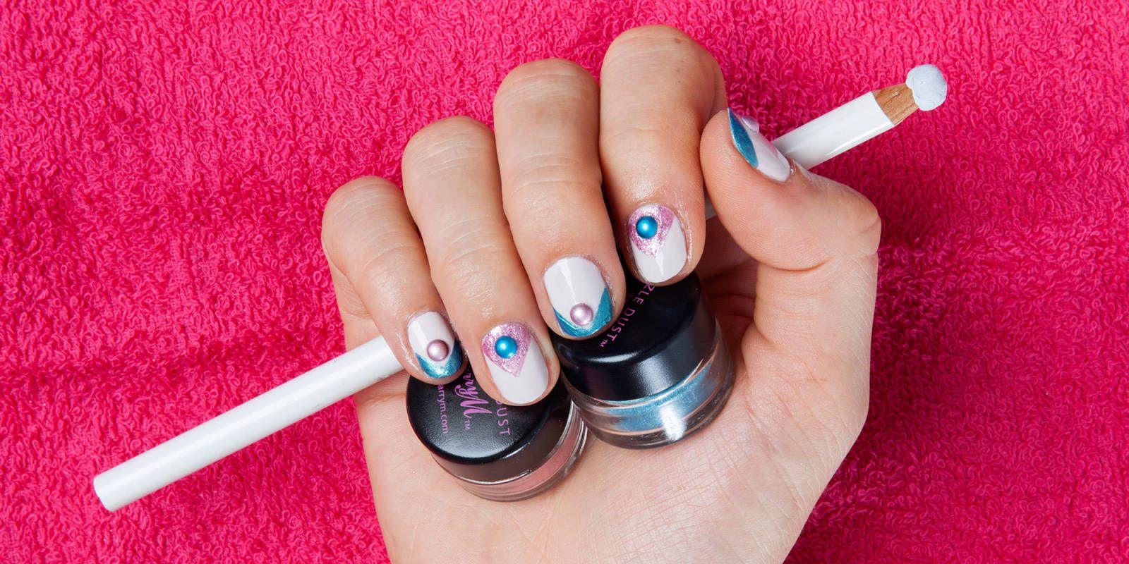 Diy nail art how to make nail tints using eye shadows galaxy nail diy nail art how to make nail tints using eye shadows solutioingenieria Gallery