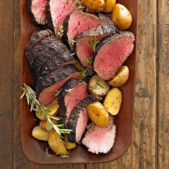 These 16 Christmas Dinner Menu Ideas Are The Ultimate Gift To Share This Holiday Season Christmas Food Dinner Roast Beef Dinner Christmas Roast
