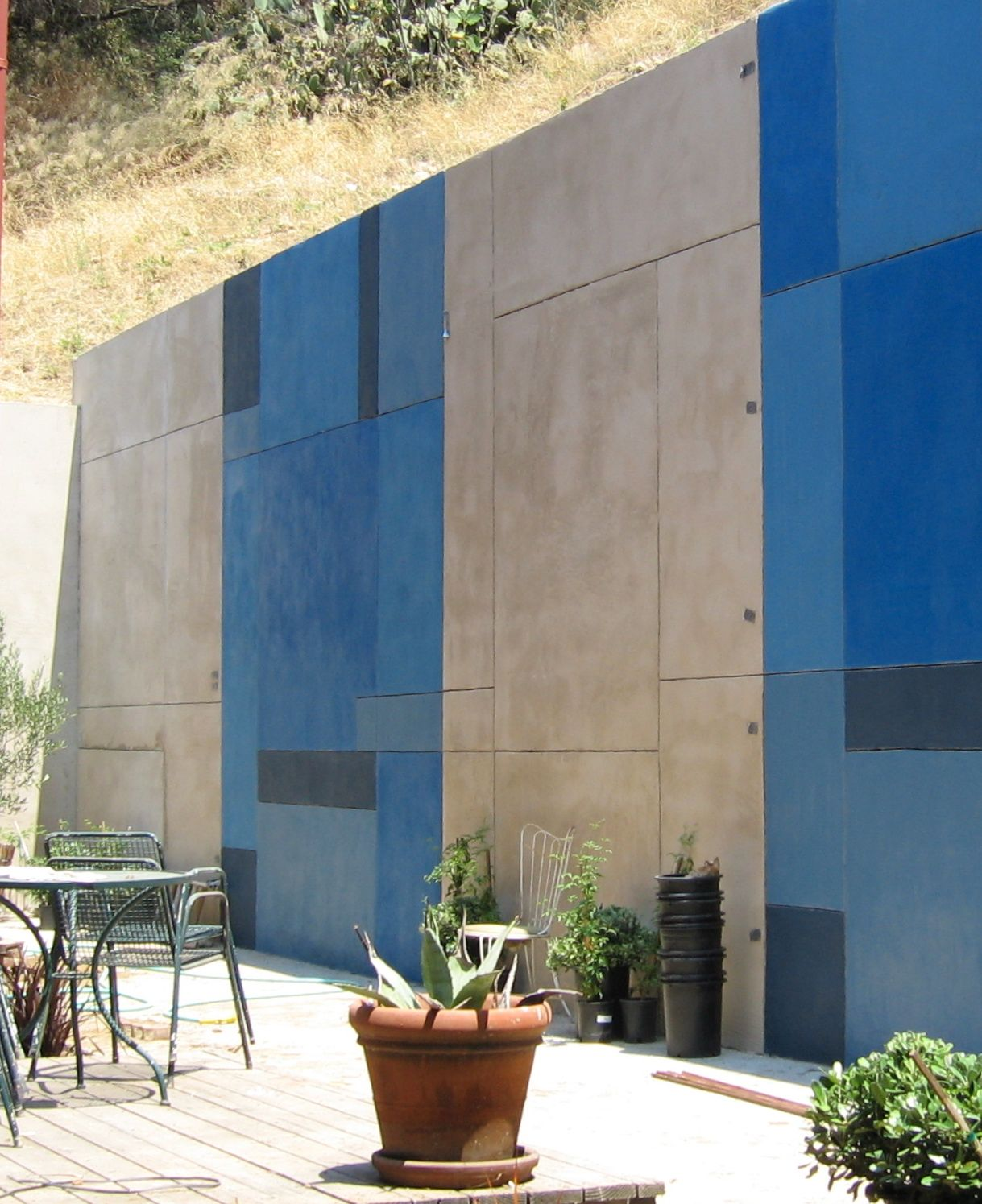 stained stucco wall by me Retaining wall, Stucco walls