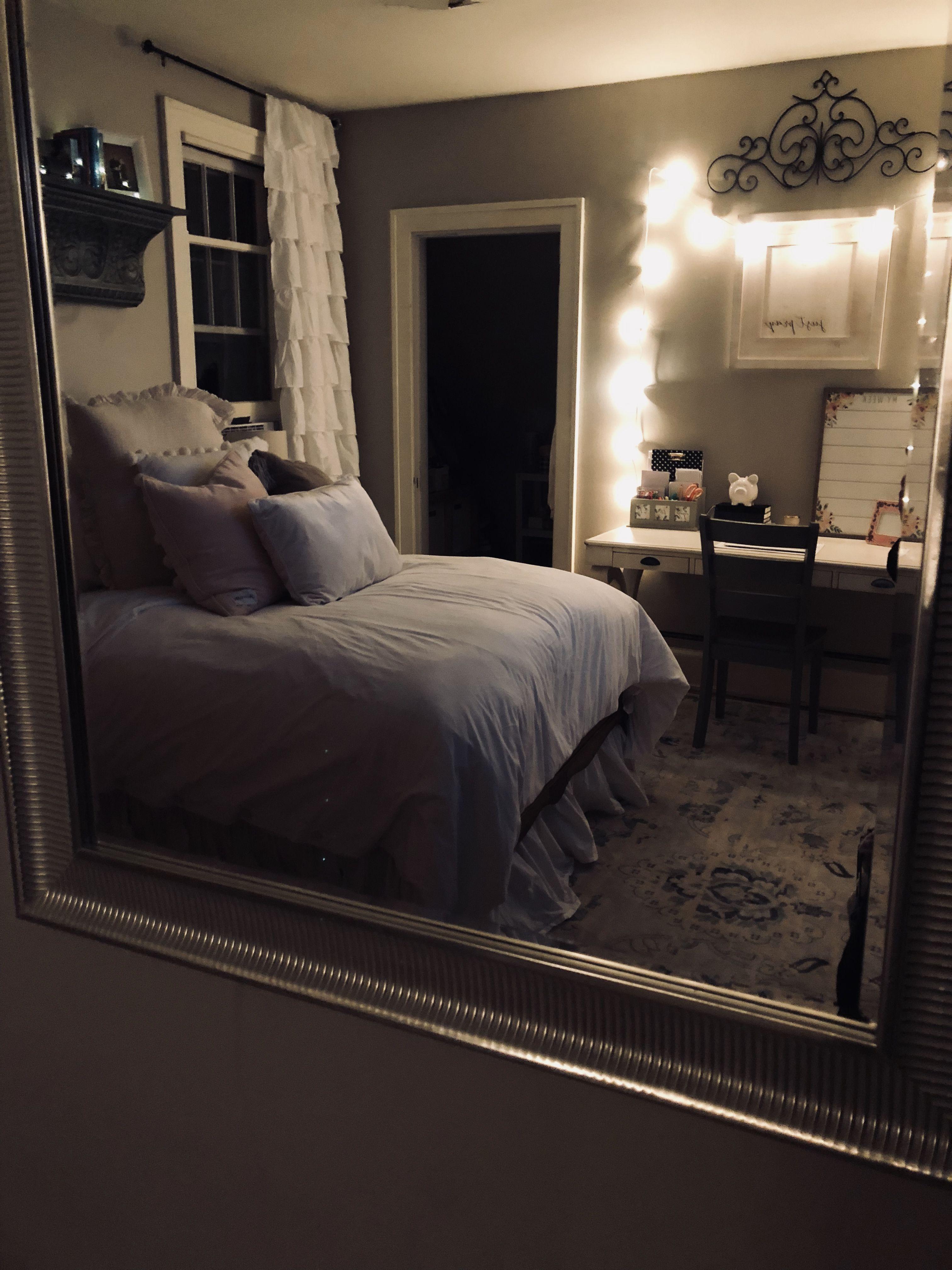 Cozy Bedroom For College Girl Cozy Bedroom Bedroom Decor Dark Bedroom Decor Cozy