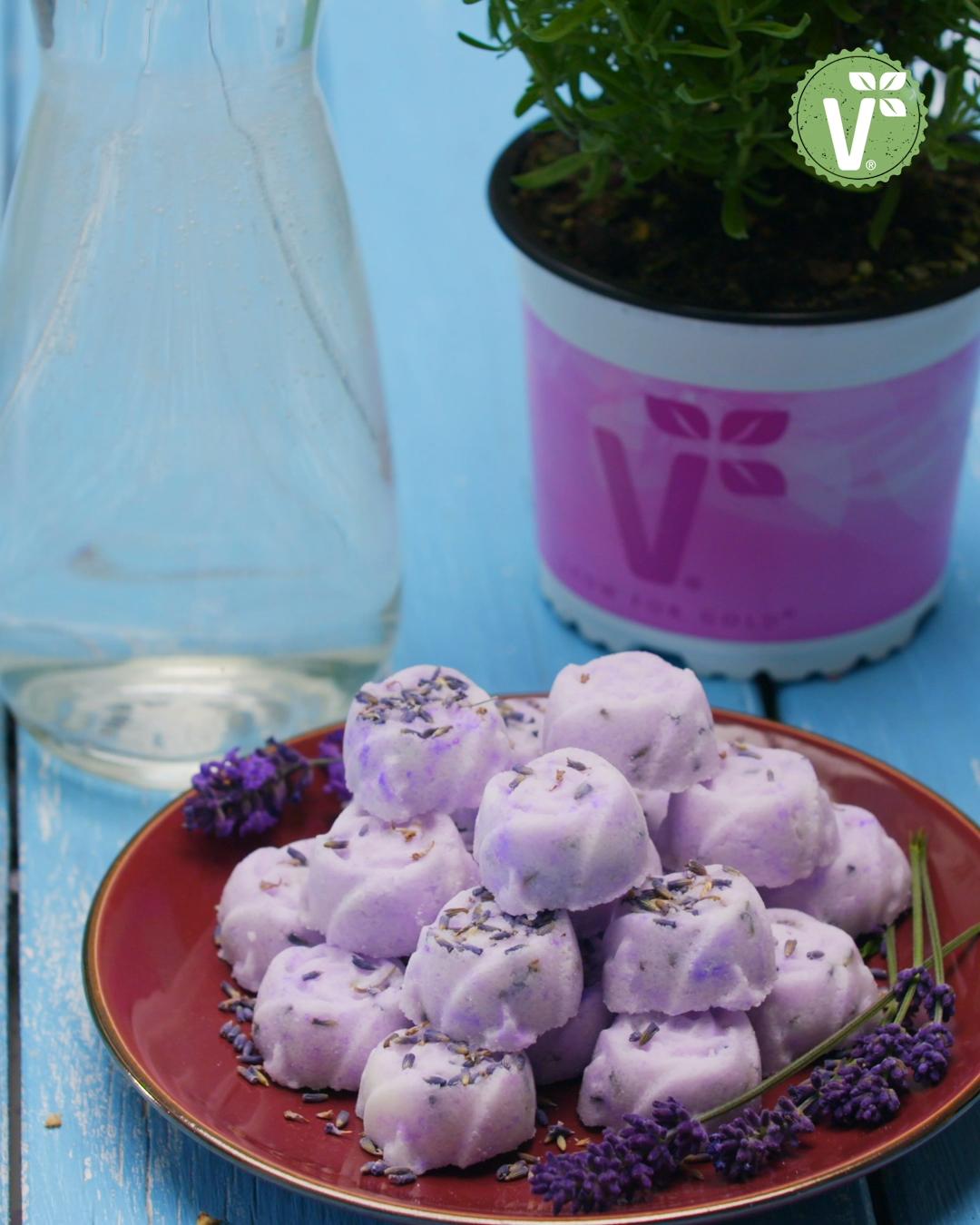 Sprudelnde Badepralinen mit Lavendel (DIY-Badekugeln selbst machen) - Volmary QuickTipps