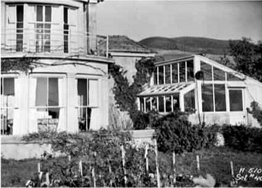 Gull Cottage In The Movie The Ghost And Mrs Muir Seaside House Essex Homes Muir
