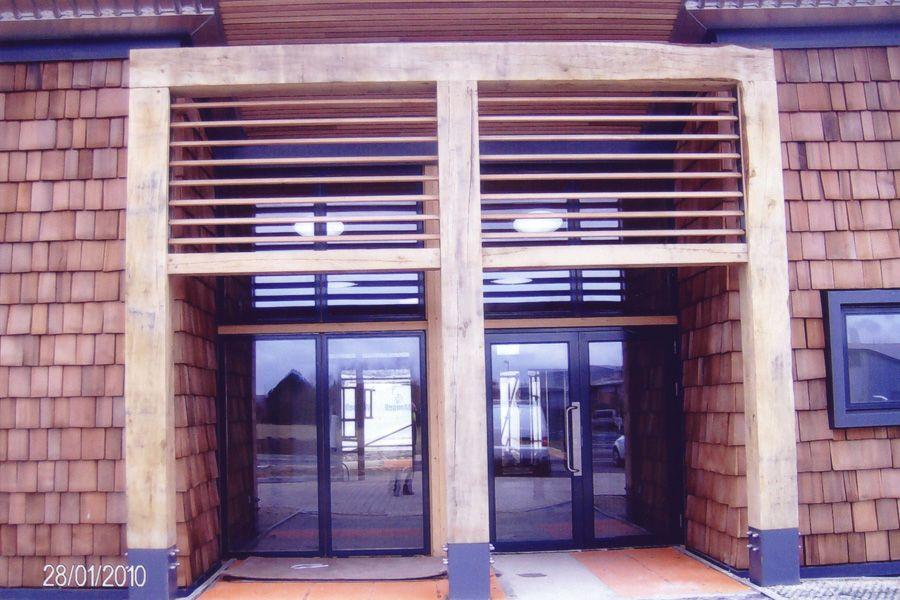 Best Shingles And European Oak Posts Louvres Cedar Shingles 400 x 300