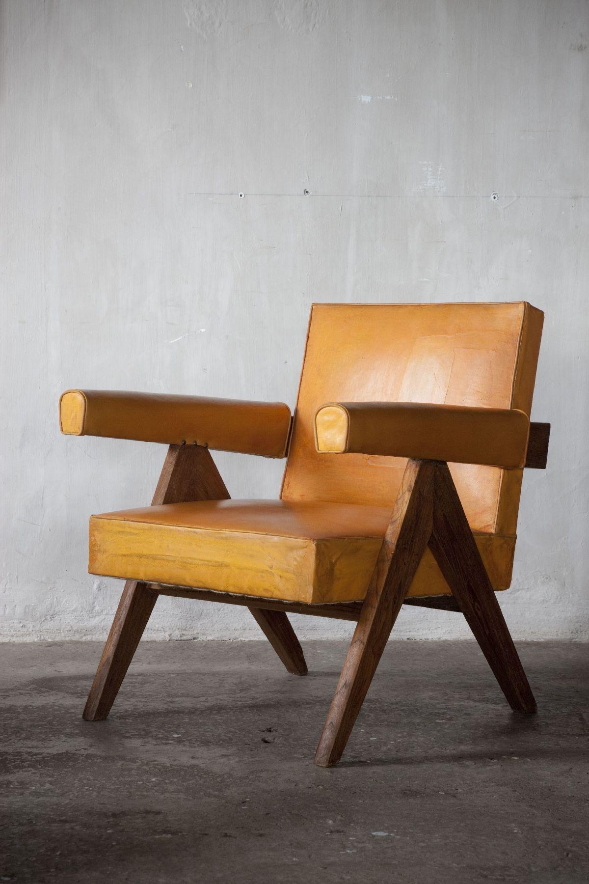 Pierre jeanneret fauteuil bas low armchair in teak