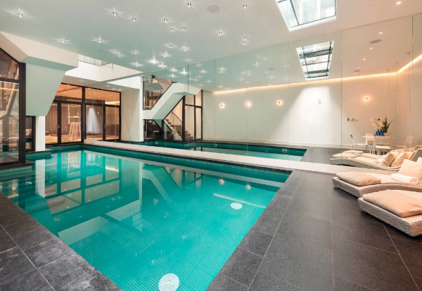 19 5 Million Home In London With Indoor Pool Indoor Pool House Apartment Pool Swimming Pool House