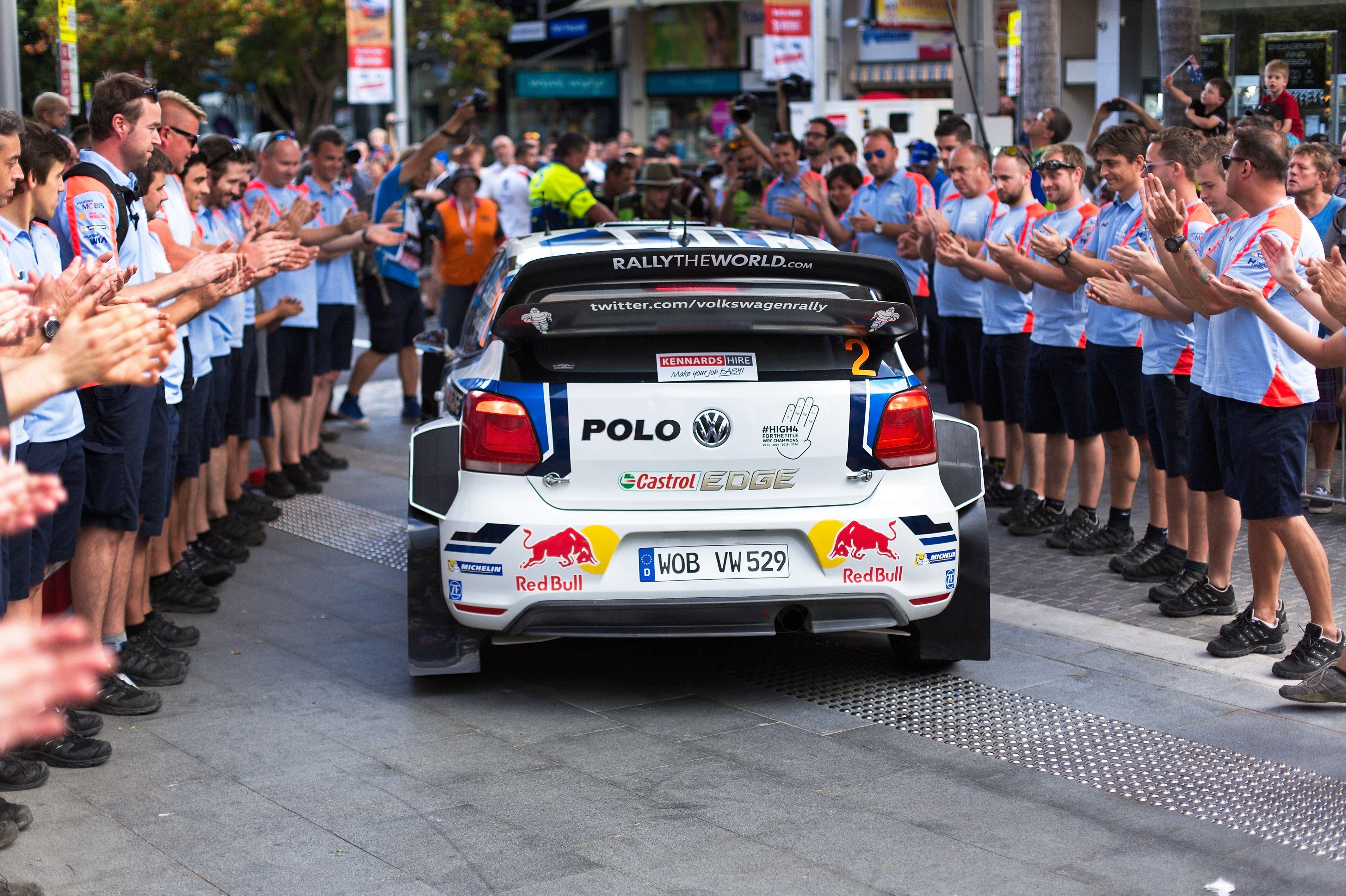Najlepszy samochód rajdowy jaki kiedykolwiek zbudowano – Polo R WRC. #rajdy #polo #volkswagen #volkswagenpolo #rajdy #winner #cars #volkswagenteam