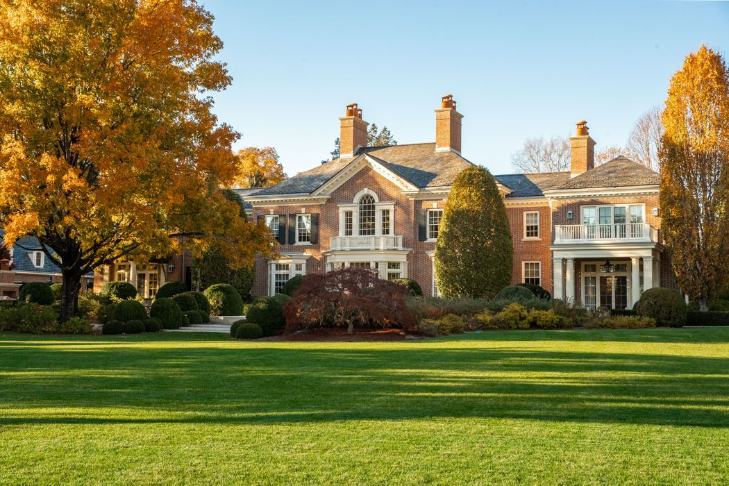 21st Century Lakeside Estate Greenwich, CT 06830 Sotheby