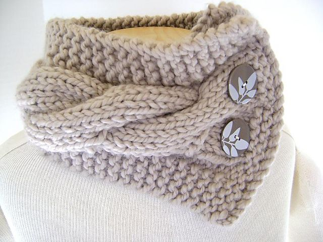 Classic Cabled Cowl pattern by Sheila Zachariae