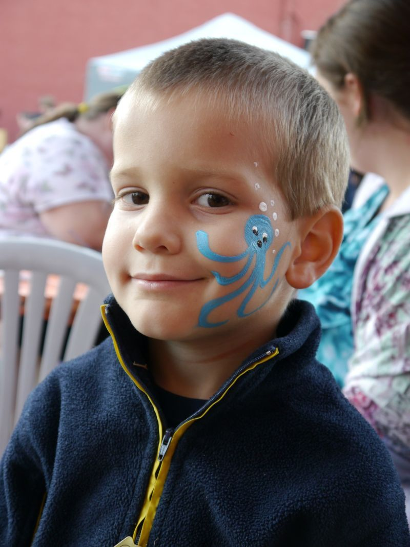 Boy-with-face-painting.jpg (800×1067) | Easy face painting ...
