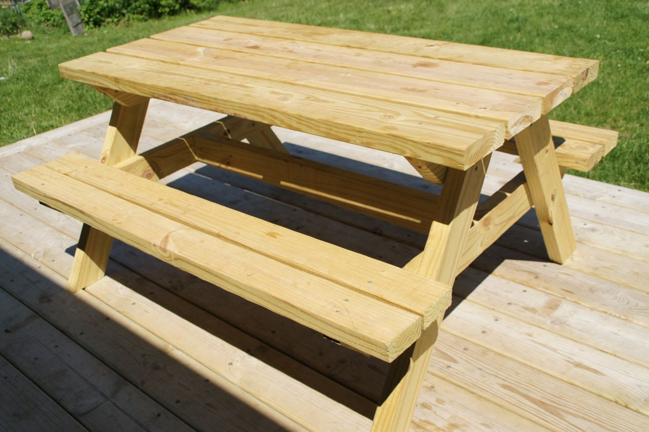 Lovely 21 Wooden Picnic Tables: Plans And Instructions | Guide Patterns