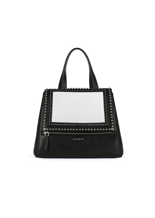 "GIVENCHYさんはTwitterを使っています: ""Discover the black & white leather studded bags from the Spring Summer 2015 Collection, available in #Givenchy stores http://t.co/YIfTr0hvBw"""