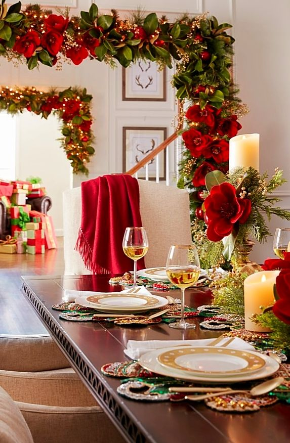 Dark Green Magnolia Leaves With Undersides Of Amber Brown Catch The Eye And Set Off An Assortment Of Rich Gold Re Gold Christmas Decorations Red Gold Christmas