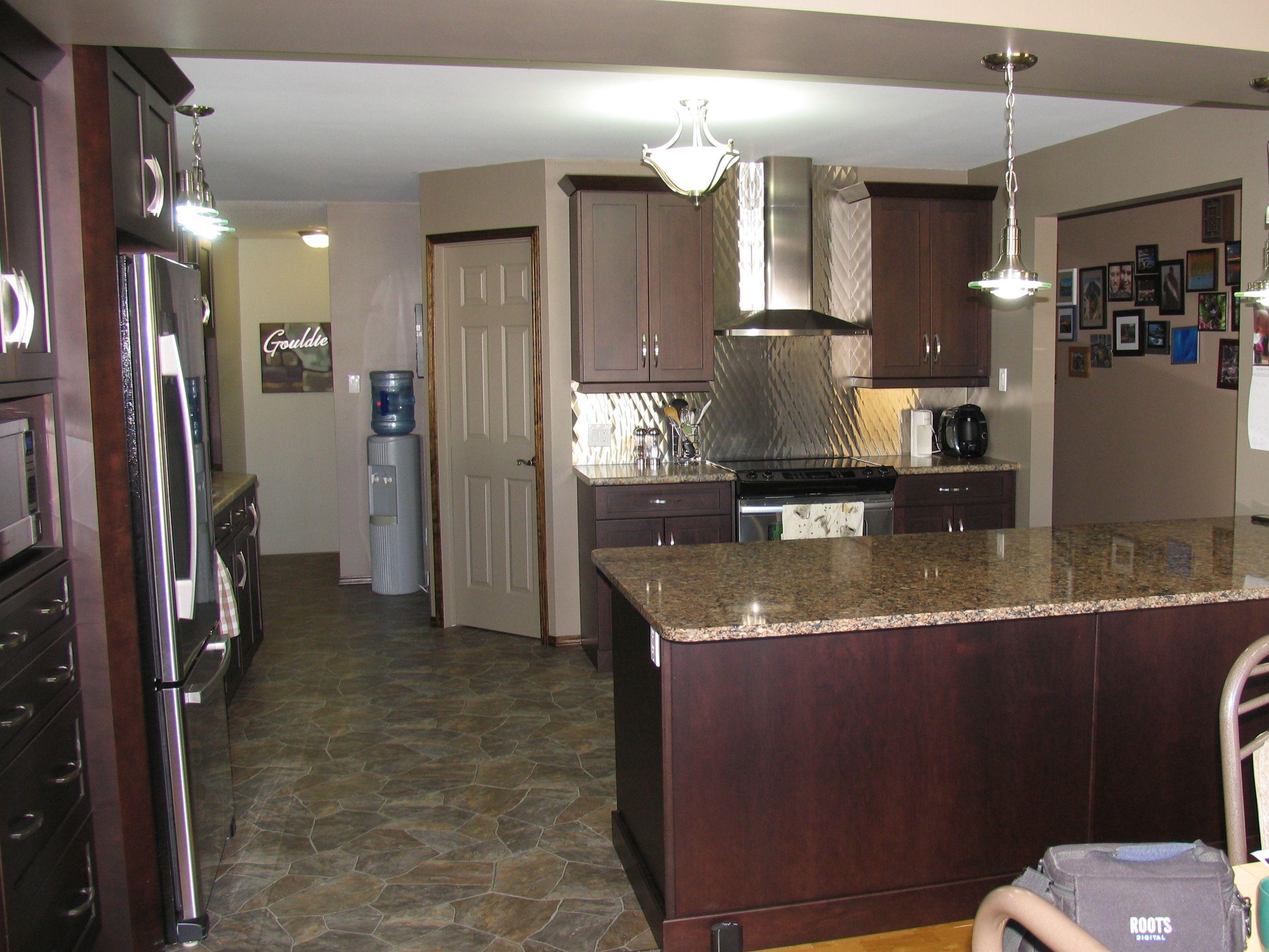 Best Cabinets Maple Espresso Kitchen Countertop Formica 640 x 480