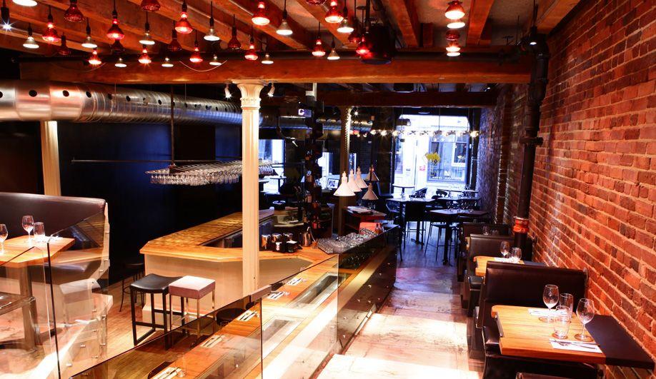 A Rustic Mod Italian Restaurant In Old Montreal Bar Design Restaurant Old Montreal Italian Restaurant