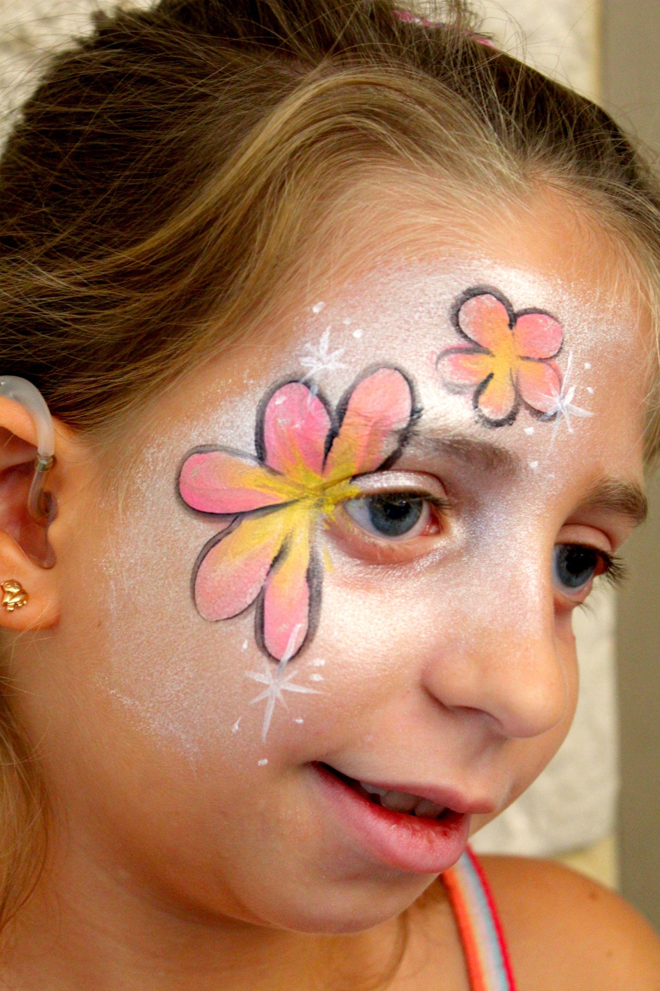 Maquillage Fleurs | Peinture visage simple, Ecole de maquillage, La peinture sur visage