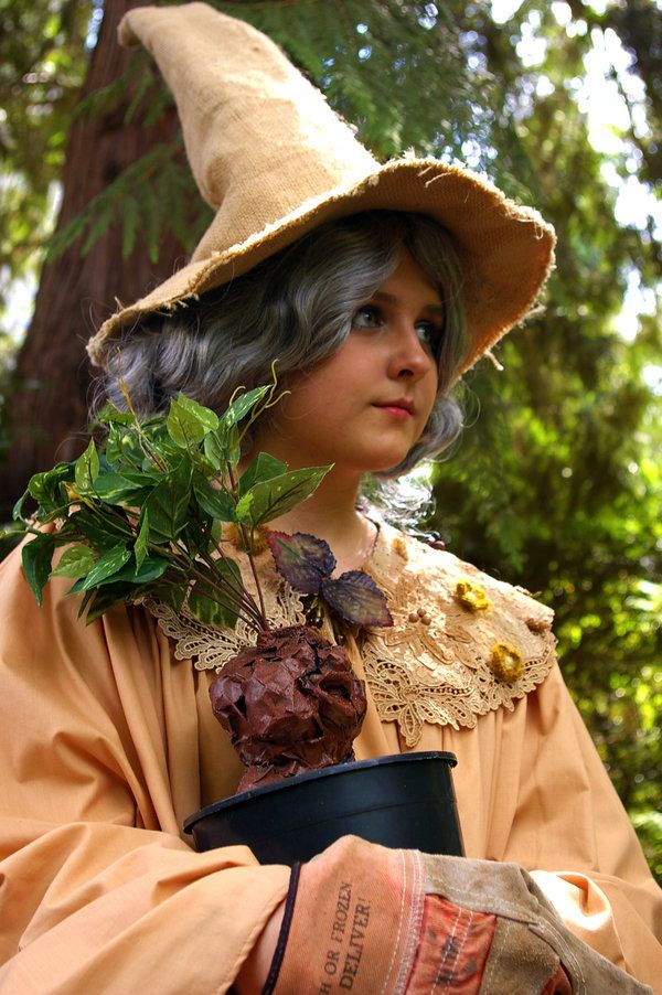 Feliciacano 223 29 A Younger Professor Sprout By Lilrenald Halloween Costumes Women Diy Halloween Costumes Harry Potter Halloween