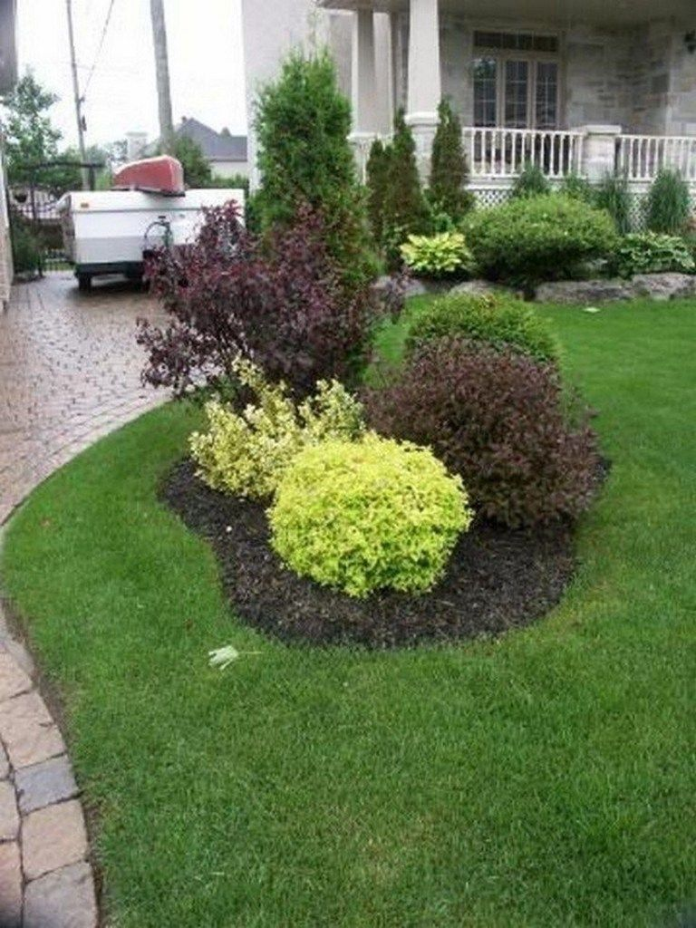 36 beautiful simple front yard landscaping design in residential house 10 #modernfrontyard