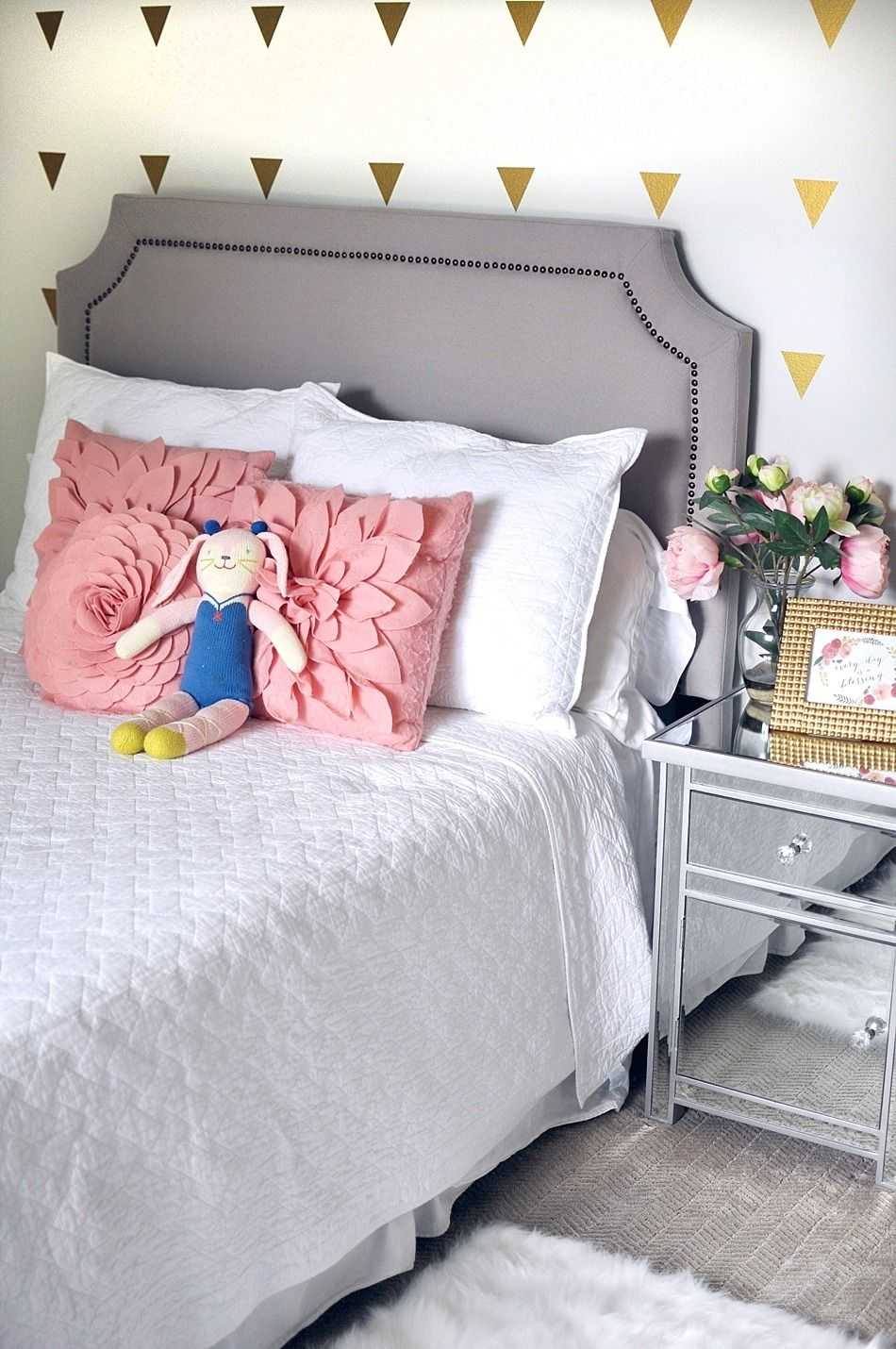 Add Pizazz With Pattern And Texture Neutral Walls Create The Perfect Canvas For Creative Touches Li Kids Room Paint Colors Children Room Girl Kids Room Paint