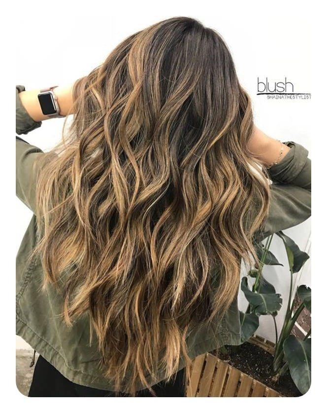Haarschnitt V | Long wavy haircuts