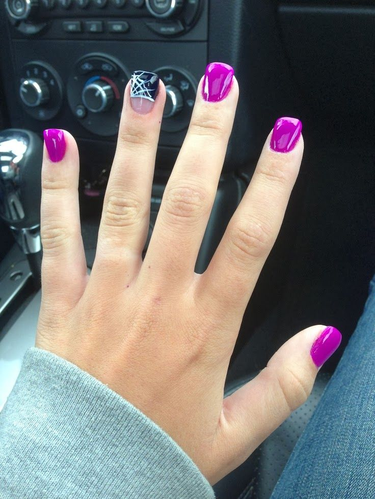Spooky Halloween Nail Art Designs....also love the purple just by ...