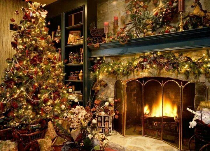 Acogedor ambiente navideño, al calor de la chimenea