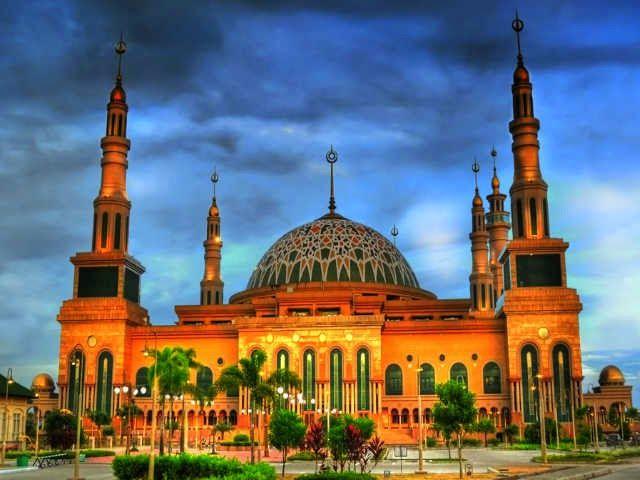 10 Masjid Terindah Di Indonesia Indonesia Tourism And Travel Information Paket Wisata Indonesia Tour Package Arsitektur Masjid Indonesia Mesjid