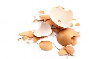 Descubre cuáles son los beneficios de las cáscaras de los huevos y cómo utilizarlas en varios remedios caseros