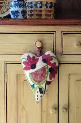 SFP54 Summertime Heart - $8.00