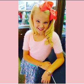2520276b4e6 JoJo Siwa( itsjojosiwa) - Instagram photos and videos