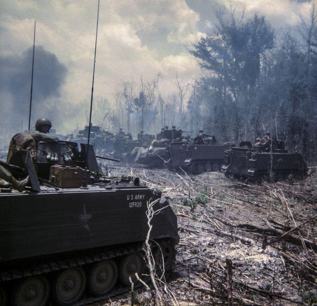 All Sizes E Troop 11 Acr Blackhorse Flickr Photo Sharing Vietnam War Veterans Vietnam War Photos Vietnam War
